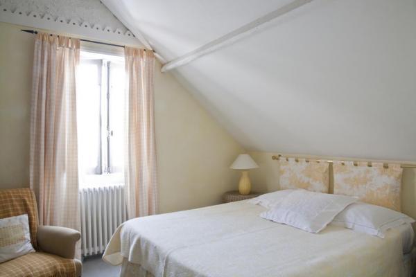 Chambre jaune maison d'hôtes La Guérandière